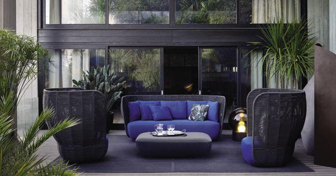 B&B Italia, poltrone e divano collezione Bay, pouf Tabour outdoor. Tutto design Doshi Levien