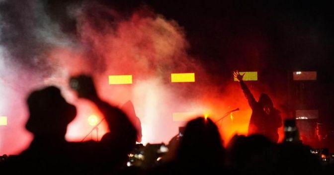 9 maggio, prima storica esibizione del misterioso rapper Liberato a Napoli (Ansa)