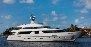 Nuova gamma di yacht open space per sanlorenzo il primo for Il canotto a bordo degli yacht