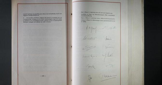 Una pagina del Trattato di Roma  del 25 aprile  1957 (AP Photo/ Domenico Stinnellis)