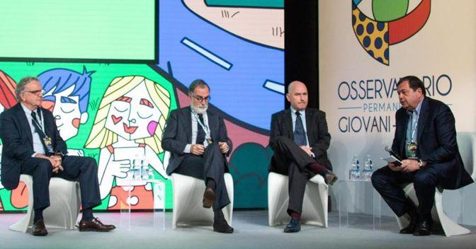 Da sinistra, l'amministratore delegato del Sole 24 Ore Franco Moscetti, il presidente Fieg Maurizio Costa, Andrea Riffeser e il direttore del Sole 24 Ore Guido Gentili (Ansa)