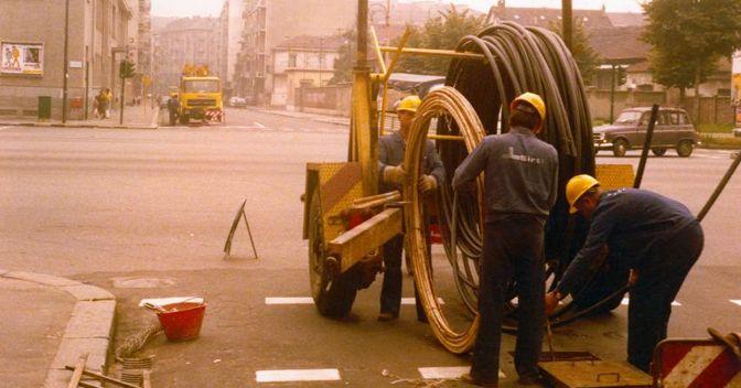 La prima posa della fibra ottica a Torino, 1977