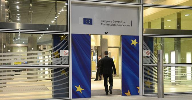 Sui conti pubblici non è interesse della Commissione europea esasperare lo scontro con l'Italia (foto Ap)