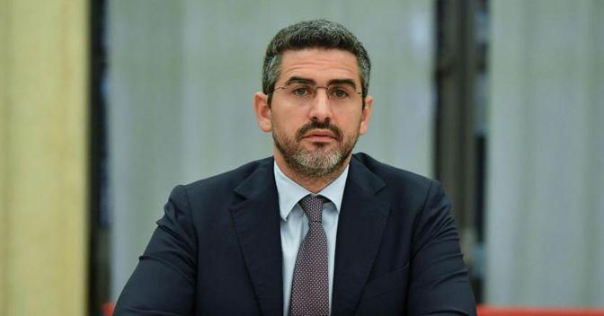 Il ministro per i Rapporti con il Parlamento e la democrazia diretta Riccardo Fraccaro (Ansa)