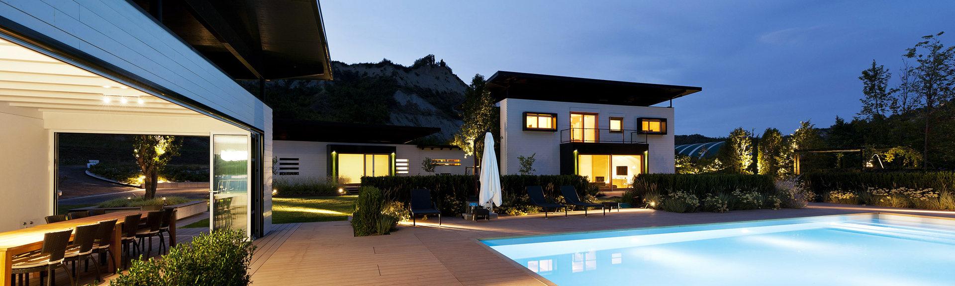 Risparmio e sicurezza spingono le case in legno il sole for Costruzioni case moderne