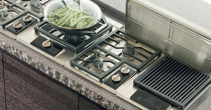 Le cappe controllano automaticamente qualit dell aria e - Foro nel muro della cucina per normativa gas ...