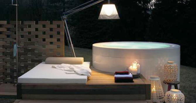 Piscine domestiche, idroterapia nella vasca sul terrazzo - Il Sole ...