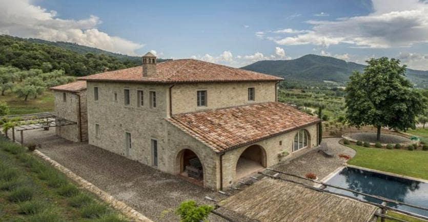 Case Rurali Toscane : I casali si comprano se sono doccasione il sole 24 ore