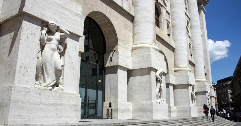 Esterno della Borsa di Milano (Agf)