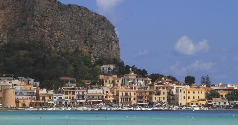 In sicilia cresce il mercato delle case di pregio il for 3 case di storia in california
