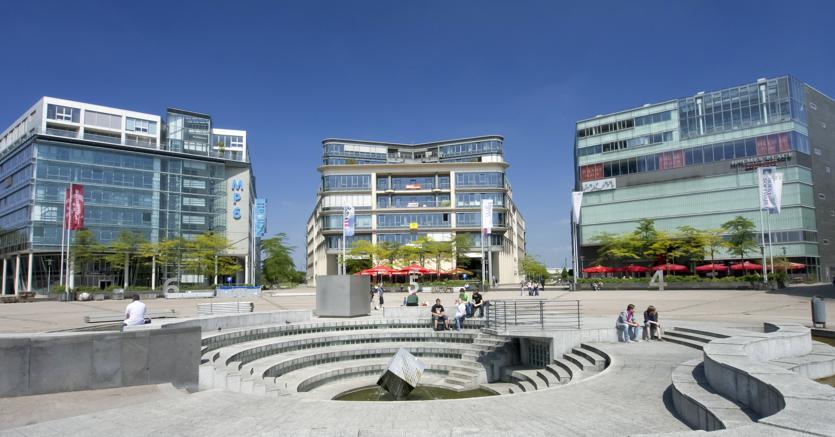 Uffici nella città di  Colonia - Germania. (Agf)