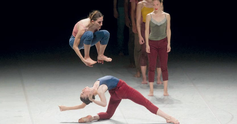 Floating and shaking. Batsheva Dance Company. Foto di Alberto Calcinai
