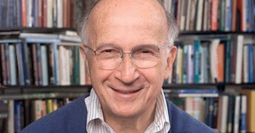 Roald Hoffmann, classe 1937: vinse il Nobel per la Chimica nel 1981 grazie ai  suoi studi di chimica teorica sui meccanismi delle reazioni