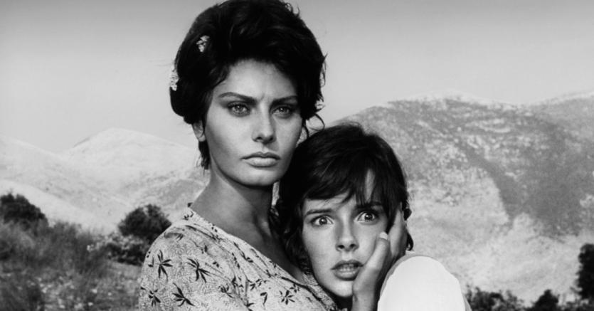Brutale.Sofia Loren (Cesira)e Eleonora Brown (Rosetta)ne «La ciociara» di Vittorio De Sica (1960). Loren vinse l'Oscar come migliore interprete