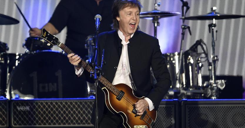 L'esibizione di Paul McCartney al Desert Trip Festival di Indio in California (Ap)