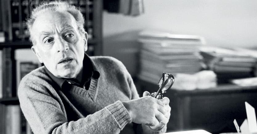 Luigi Malerba in uno scatto degli anni Ottanta