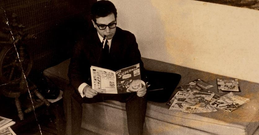 Lettore di fumetti.Umberto Eco (5 gennaio 1932-19 febbraio 2016) nei primi anni Cinquanta