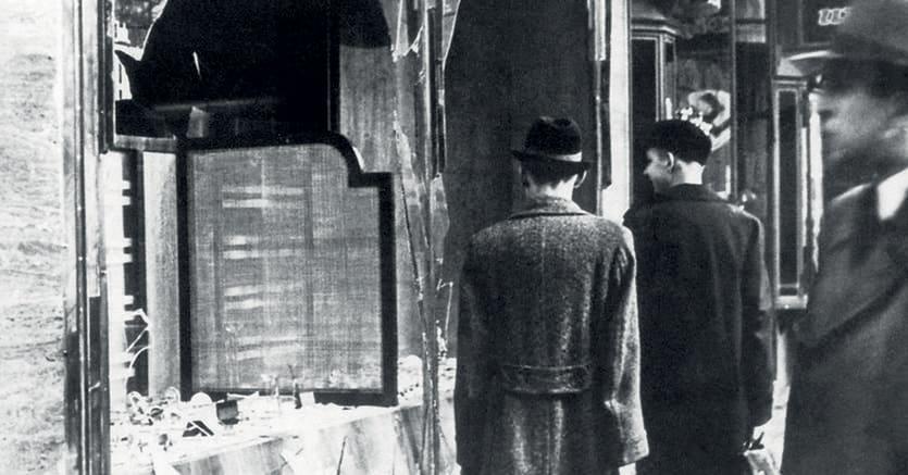 Notte dei cristalli.Il pogrom condotto dai nazisti nella notte tra il 9 e 10 novembre 1938 in Germania, Austria e Cecoslovacchia