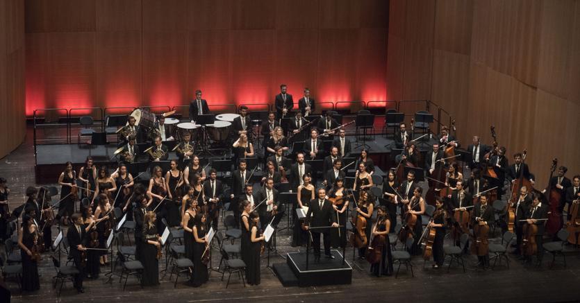Il maestro Riccardo Muti e l'orchestra Cherubini (Daniel Vass per LuganoMusica)