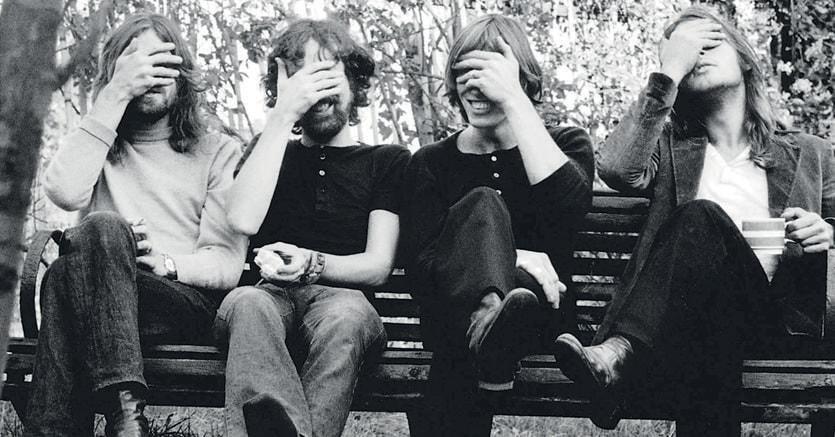 Fenomeno pop.Richard Wright, Nick Mason, Roger Waters e David Gilmour  al Country Club di Belsize Park a Londra il 6 ottobre 1968 durante  il Pink Floyd World Tour