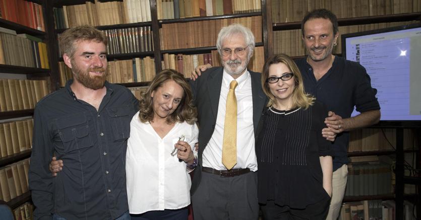La cinquina del Premio Strega 2017. Da sinistra, Paolo Cognetti,  Wanda Marasco,  Alberto Rollo,  Teresa Ciabatti e  Matteo Nucci (Ansa /Massimo Percossi)