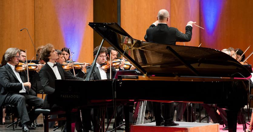 Il croato Ivan Krpan, vincitore del sessantunesimo Concorso Busoni, al pianoforte (Eva Loprieno)