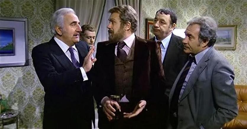 Gastone Moschin (al centro) nel ruolo del Melandri in Amici miei  (Ansa)