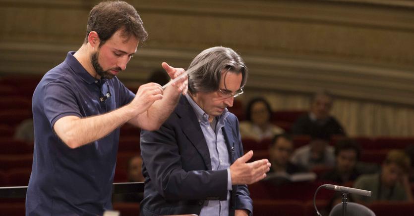 Gevorg Gharabekyan segue le indicazioni del Maestro Riccardo Muti. (Silvia Lelli)