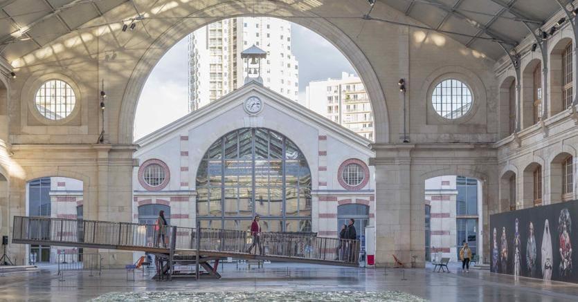 Il centro d'arte e di azione culturale Centquatre-Paris prende il nome dal numero civico della via in cui si trova (rue  d'Aubervilliers) - Credit : Riccardo Piaggio