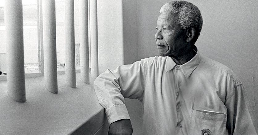 La forza interiore del leader. Nelson Mandela (1918-2013)  passò 27 anni in carcere. Complici i «Pensieri» di Marco Aurelio,  non maturò alcun sentimento di rabbia o di vendetta
