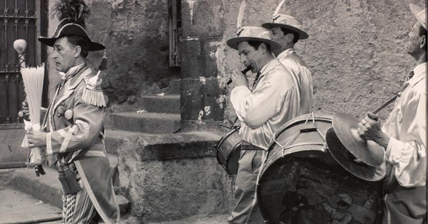 Note di strada. Totò in una scena di «L'oro di Napoli» di Vittorio De Sica (1954)