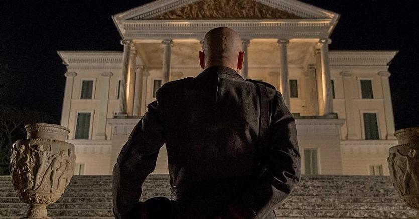 Una scena dal film «Sono tornato» di Luca Miniero