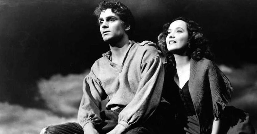 Potente.Una scena da «Cime tempestose»,  il film (1939) tratto dall'omonimo romanzo di Emily Brontë, con protagonisti Laurence Olivier  e Merle Oberon