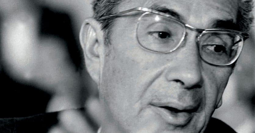 Statista. Aldo Moro nel marzo 1977 a Palazzo dei Congressi, alla Conferenza nazionale della Democrazia cristiana di cui era presidente