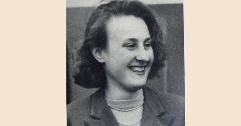Comunista e cattolica.Giglia Tedesco nasce nel 1926 a Roma. Entra in Parlamento   per la prima volta nel 1968, eletta al Senato nel collegio di Arezzo