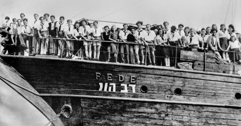 """Il piroscafo """"Fede"""" bloccato a La Spezia nell'aprile del '46 dai britannici: i profughi ebrei a bordo fecero lo sciopero della fame per ottenere l'autorizzazione a salpare"""