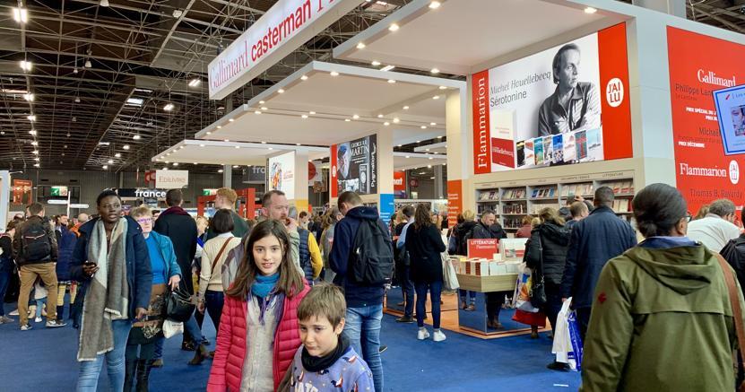 Lo stand Gallimard al Salone del libro di Parigi (Foto Riccardo Piaggio)