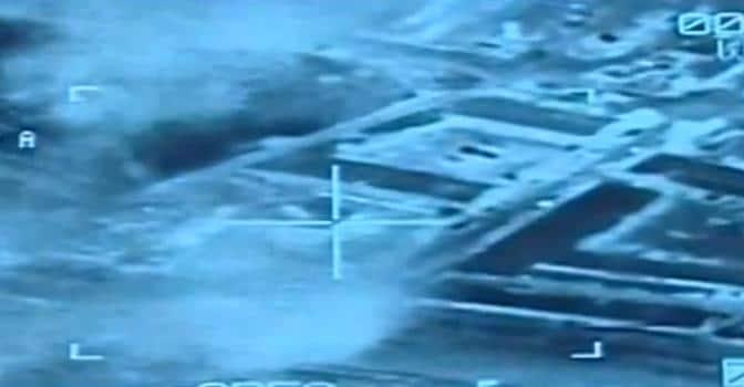 Libia: l'Egitto bombarda, Isis rapisce altri 35 egiziani