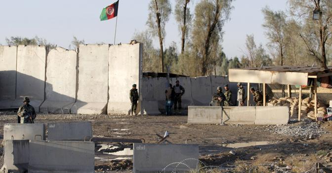Afghanistan un bagno di sangue l 39 assalto talebano a kandahar 50 morti anche donne e bambini - Bagno di sangue ...