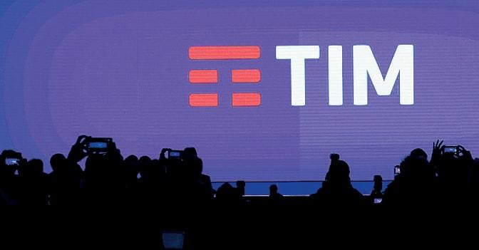 Pioggia di email dei dipendenti Telecom a Renzi: gruppo strategico per il Paese