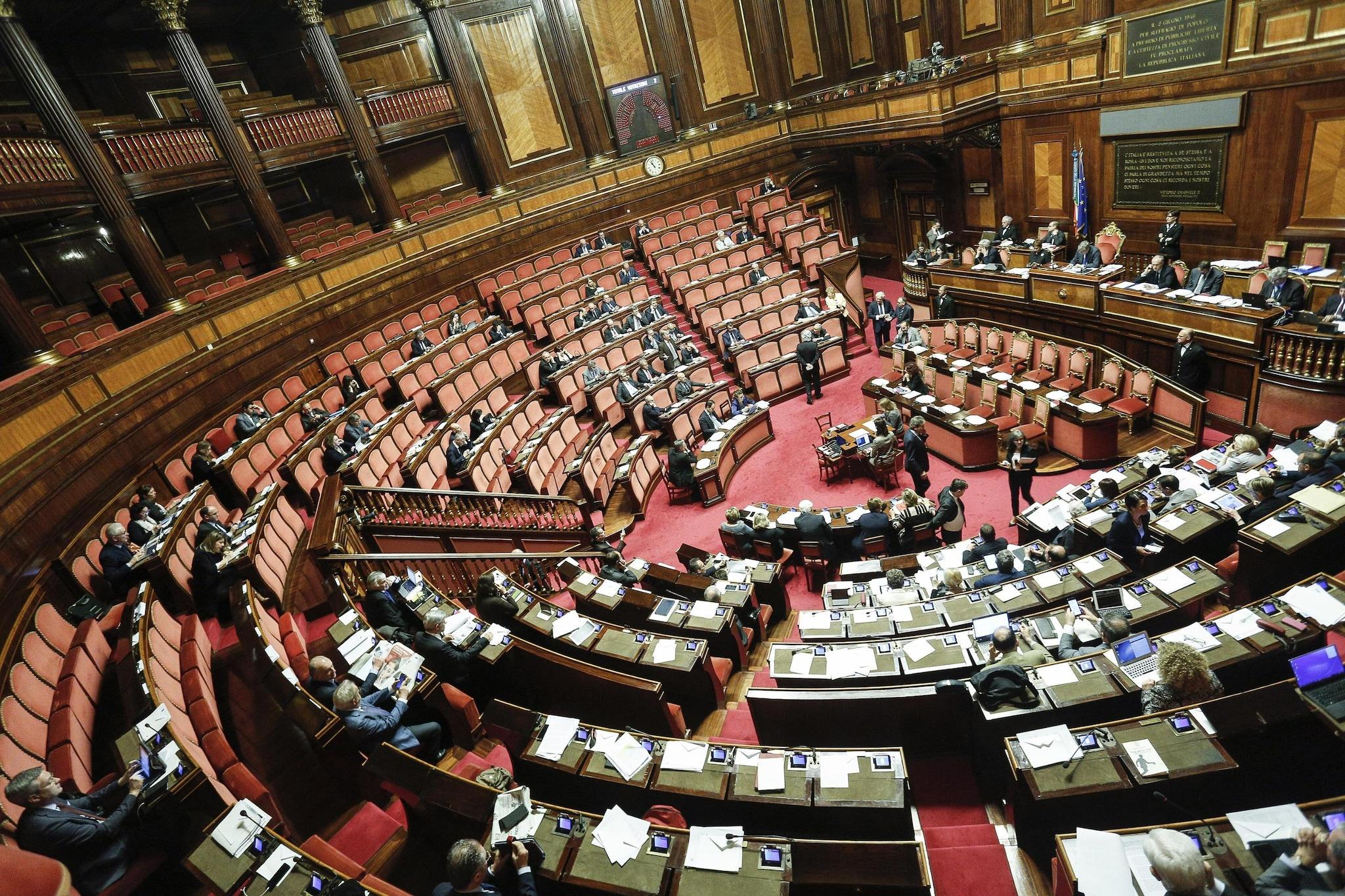 Decreto banche, sì del Senato alla fiducia, il provvedimento passa alla Camera
