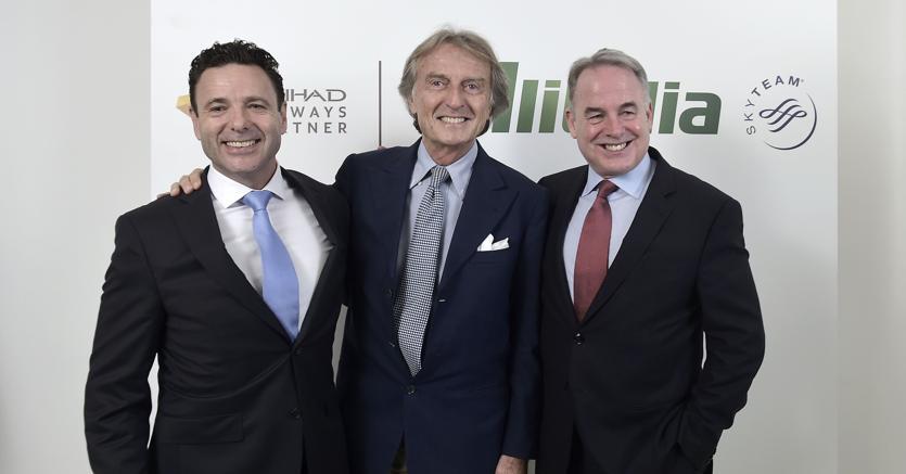 Cramer Ball (CEO Alitalia), Luca Cordero Di Montezemolo (Presidente di Alitalia) e James Hogan (CEO di Etihad Airways)