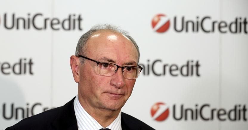 Unicredit, passo indietro di Ghizzoni. Nuovo Ad entro giugno