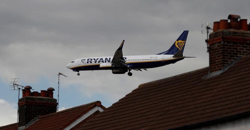 Brexit fa volare basso Ryanair: taglia del 5% le stime di utili