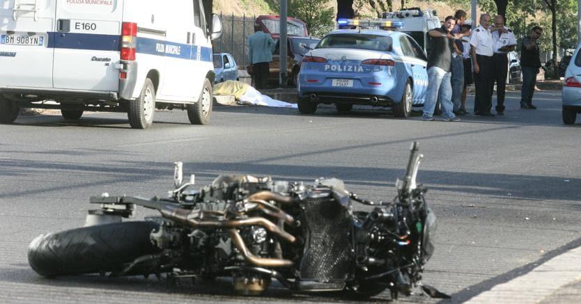 Risultati immagini per incidente stradale in moto