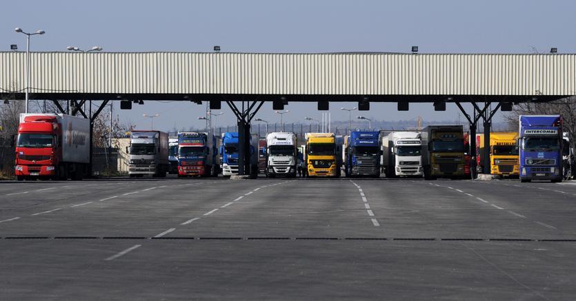 Produttori di camion in arrivo la multa dei record dalla - Foto di grandi camion ...