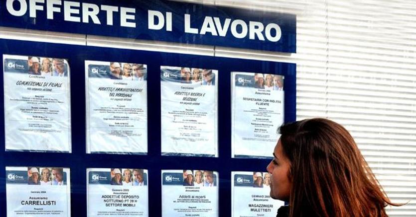 Istat, migliorano dati su lavoro: +341mila tempi indeterminati