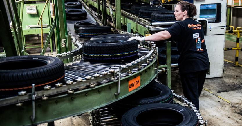 La gomma plastica torna a crescere il sole 24 ore for Fabbrica mobili torino