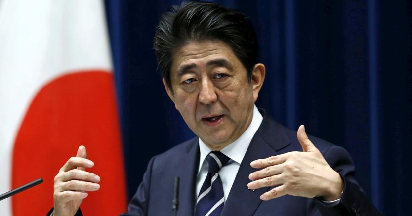 Il premier giapponese Shinzo Abe (Reuters)