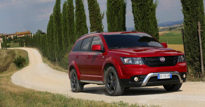 gli eredi di fiat freemont e dodge journey forse saranno. Black Bedroom Furniture Sets. Home Design Ideas